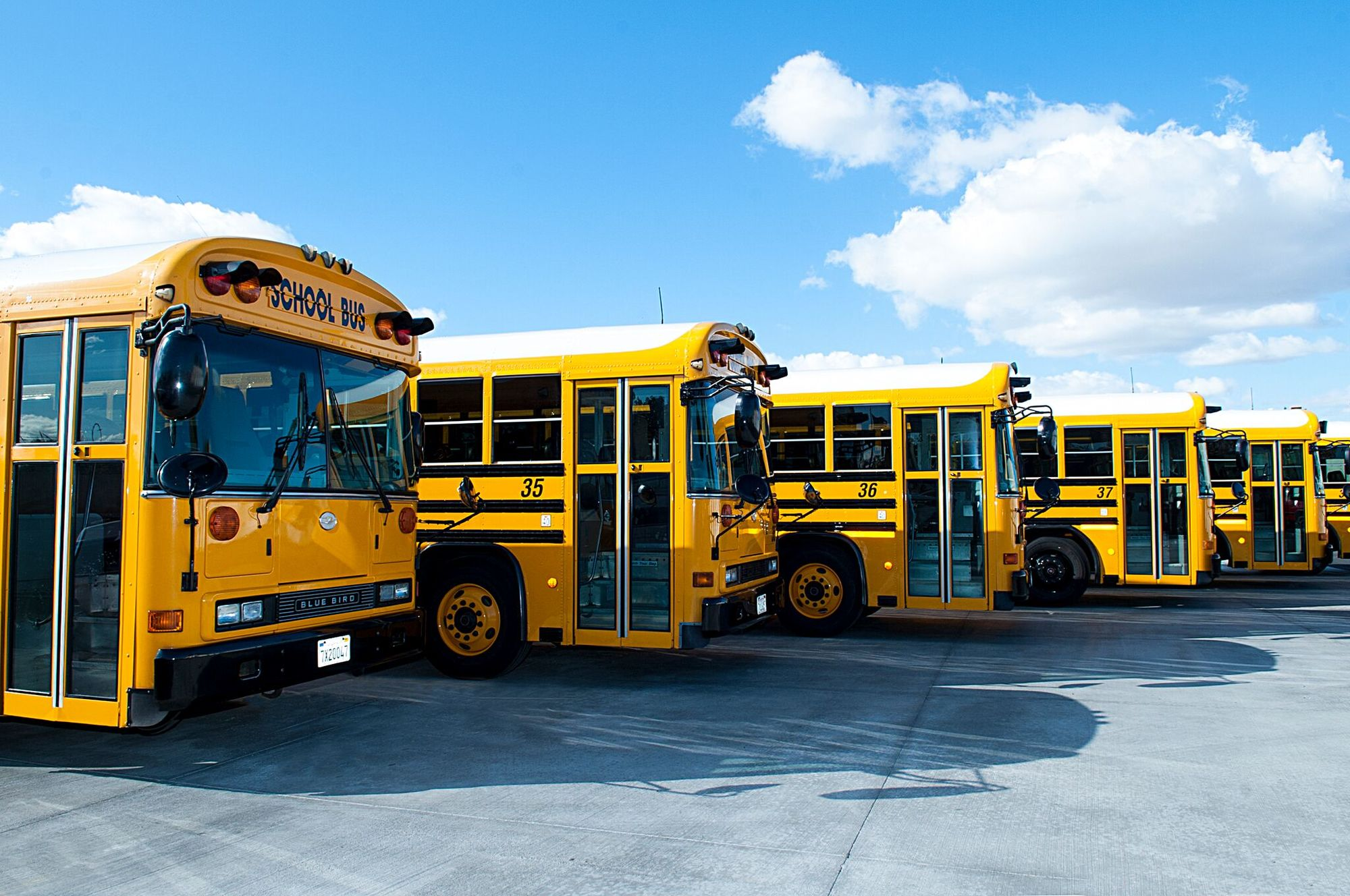 Why Rent A School Bus In Los Angeles